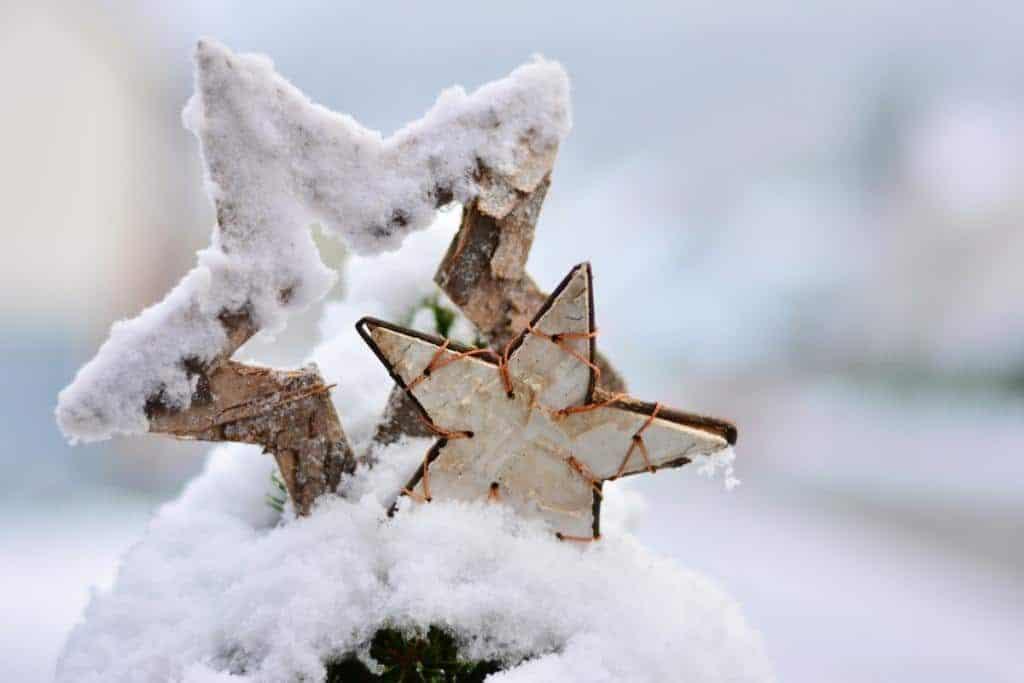 Stern im Schnee - Weihnachtsgrüße 2017