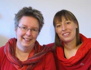 Sabine Eggersglüß (links) und Alice Neumann (rechts), Curanderas